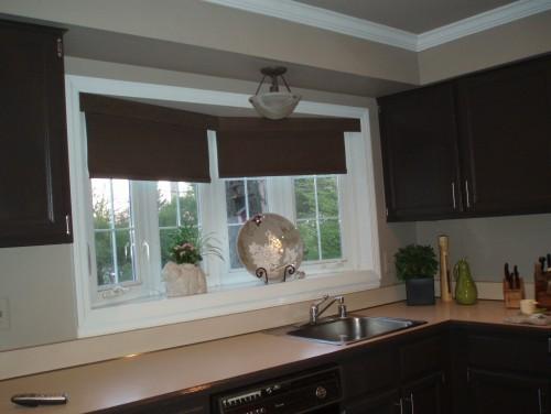 Ventajas y usos de cortinas roller en la cocina | Conejo Negro ...